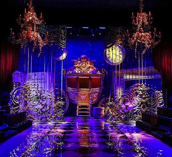 Dolce Gabanna 2016 show: The archway or entranceway is an important place to decorate. This is your guests first experience with your theme so make it a statement