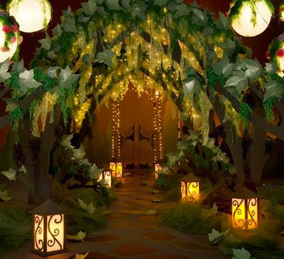 Andersons decore store: The archway or entranceway is an important place to decorate. This is your guests first experience with your theme so make it a statement